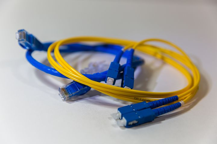 Câble, DSL ou fibre optique : comment choisir la bonne connexion pour vous ?