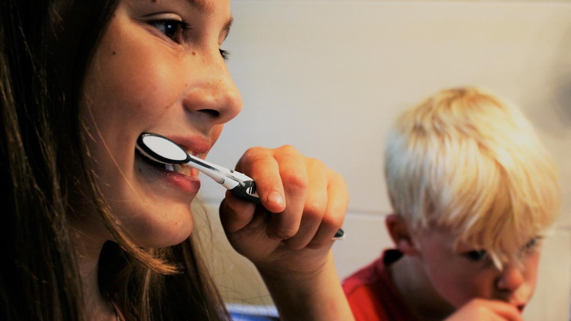 Pourquoi utiliser le gratte-langue pour la mauvaise haleine